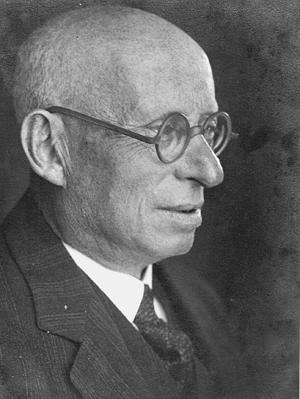 Dr. Julius Moses